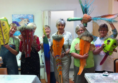 rita-schwab-an-enthusiastic-sculpture-class